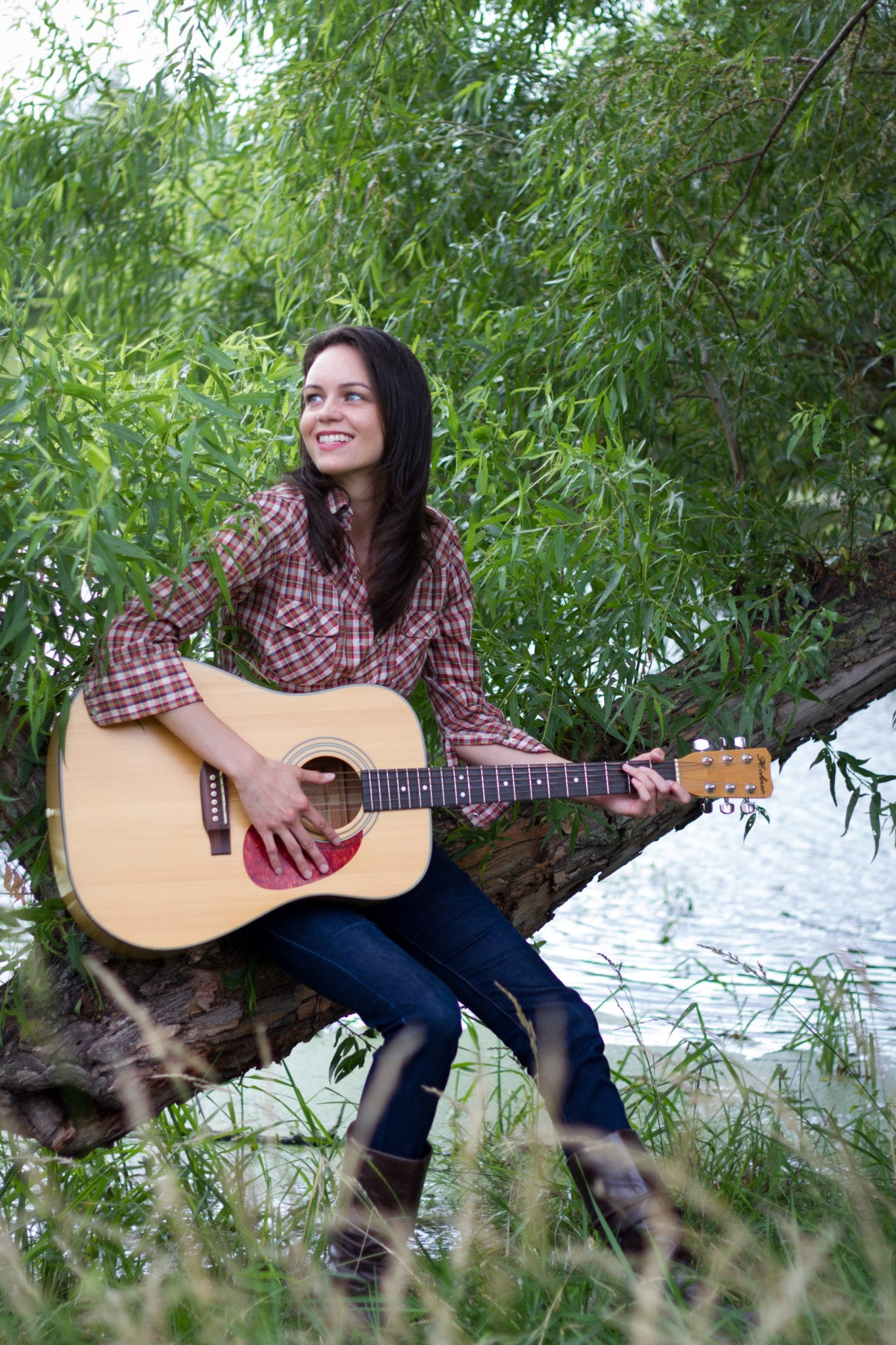 amy goloby left unsaid photo shoot willow tree